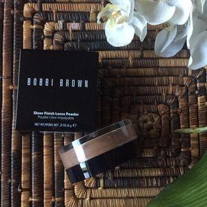 Bobbi Brown Makeup - Bobbi Brown – Sheer Finish Loose Powder